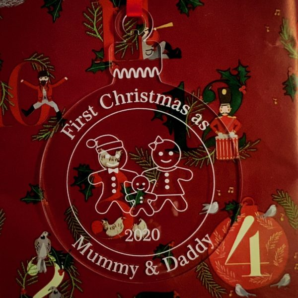 round christmas bauble mummydaddy not personalised 10