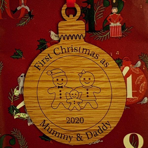 round christmas bauble mummydaddy not personalised 11