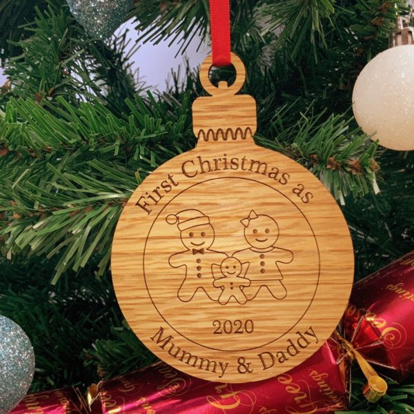 round christmas bauble mummydaddy not personalised 18