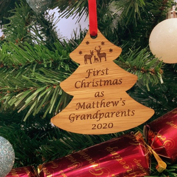 tree christmas bauble grandparent personalised 18