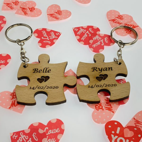 puzzle pieces beech keyring 11